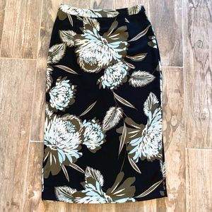 Black / Floral Pencil Skirt